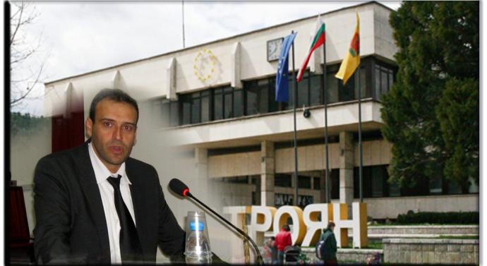 ДЕКЛАРАЦИЯ във връзка с вота на недоверие, гласуван на председателя на Общинския съвет Николай Тодоров